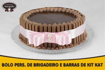 Bolo Personalizado de Brigadeiro com barras de kit kat